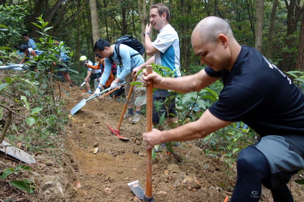 Bench cutting the final 30 metres - HKMBA volunteers digging hard